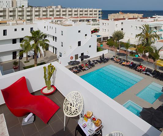 Blog migjorn ibiza descubre y divi rtete en el hotel en for El jo motor inn