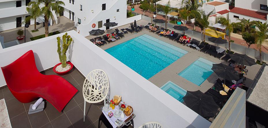 Terraza Migjorn Ibiza Suites and Spa - Hotel Apartamentos